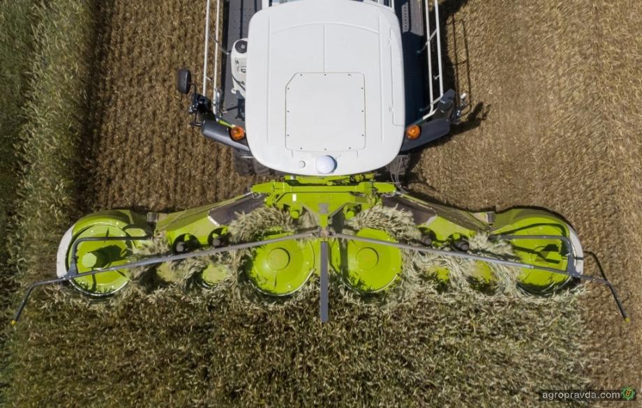 Линейка Claas пополнилась новой 9-метровой жаткой Orbis 900
