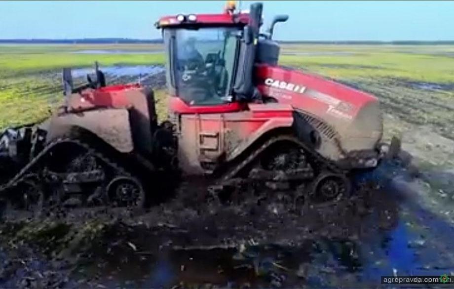 Зачем нужны трактора на гусеницах. Видео
