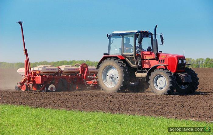 Аграрии уже засеяли 1 млн га яровых культур