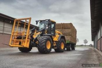 JCB обновил сельхозпогрузчик 435S Agri
