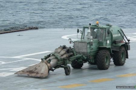 На сгоревшем «Адмирале Кузнецове» нашли трактор ХТЗ