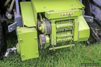Умелец создал радиоуправляемый комбайн Claas Jaguar. Фото