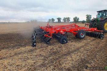 Чем дилеры и производители сельхозтехники привлекают аграриев