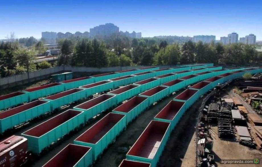 БелАЗ поставит в Украину вагоны-зерновозы