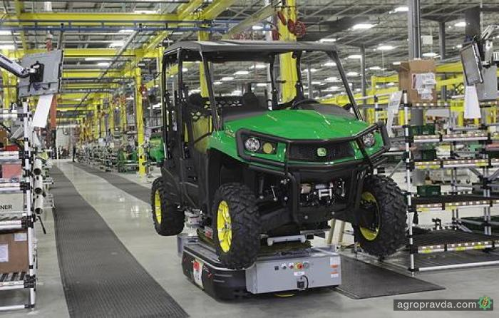 John Deere увеличивает производство мотовездеходов