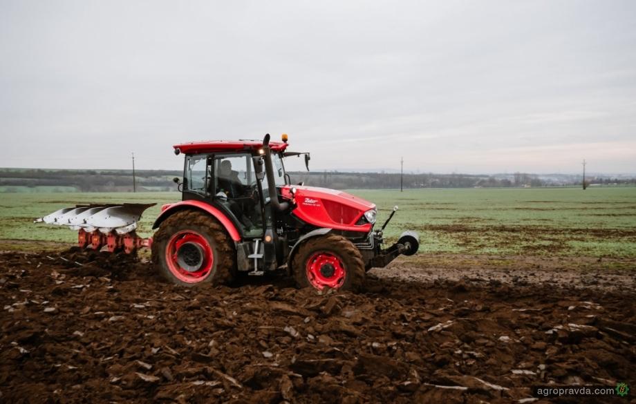 Трактор Zetor с дизайном от Pininfarina – в реальном хозяйстве. Фото
