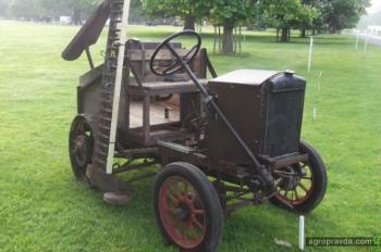 Уникальный автомобиль 1926 года превратили в трактор