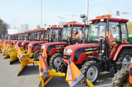 Какие трактора будут убирать снег в Киеве