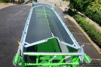 Joskin представил новую систему для покрытия силосных прицепов