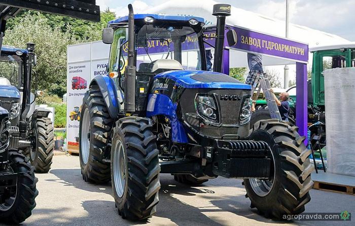 В Украине появился новый 130-сильный трактор Lovol