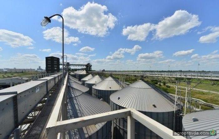 Суд арестовал зерновой терминал Коломойского