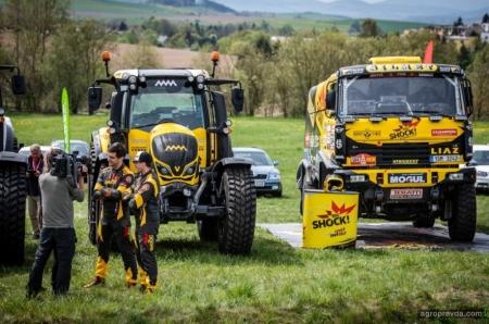 Трактор Valtra превратился в спорт-кар: фото