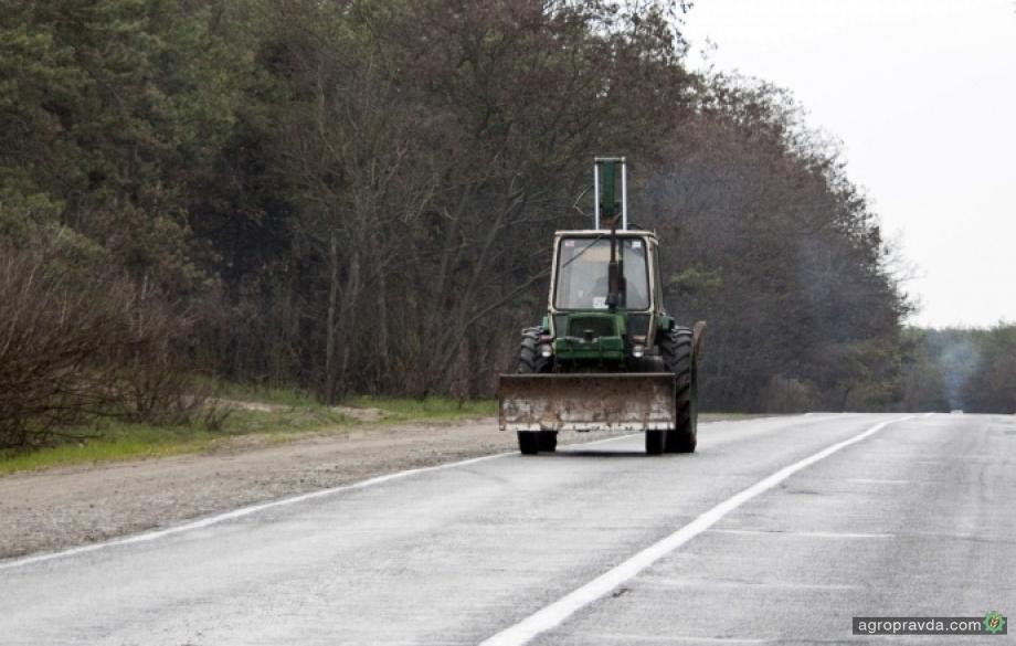 В Украине упростили передвижение сельхозтехники по дорогам