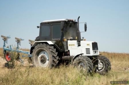 В Украине испытан первый трактор Belarus с газодизельным двигателем