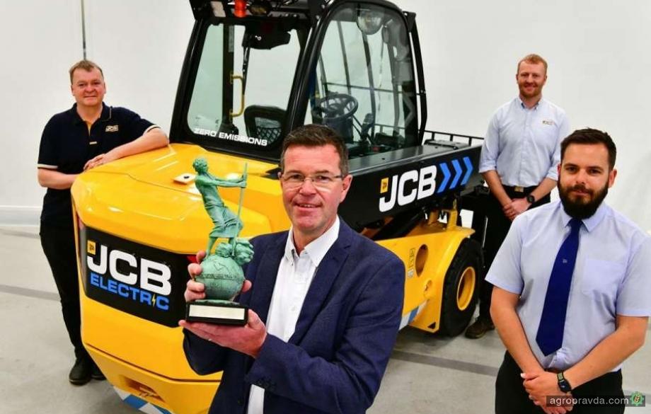 Электрический телескопический погрузчик JCB получил престижную награду