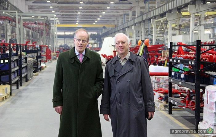 Представители британской ассоциации директоров посетили завод Эльворти