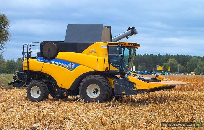 Допремьерный показ в Украине нового комбайна New Holland. Видео