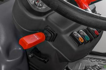 Представлена серийная версия трактора Zetor от Pininfarina