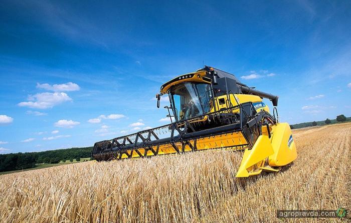 В Украине представят самый большой комбайн New Holland CR10.90