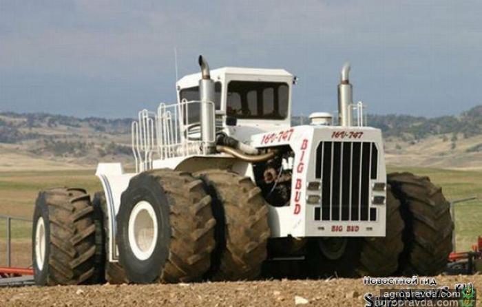 Самый большой трактор в мире. Видео
