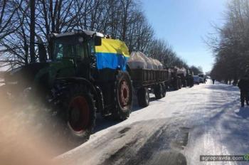 Аграрии вывели трактора и готовы перекрыть автомагистрали