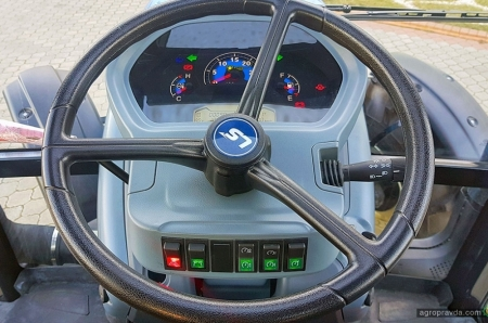 В Киеве представили лимитированную версию корейских тракторов