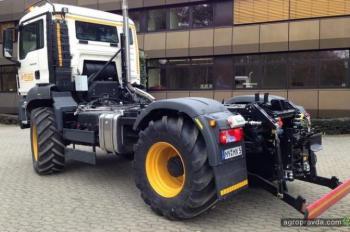 Разработан гибрид трактора и грузовика