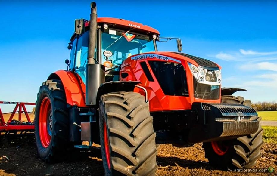 Трактор Zetor Crystal 160 в работе: новое видео