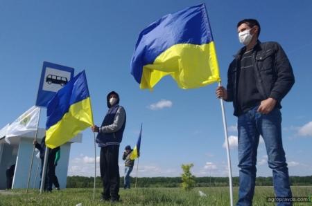 Аграрии вышли на автомагистрали протестовать против квот на импорт азотных удобрений