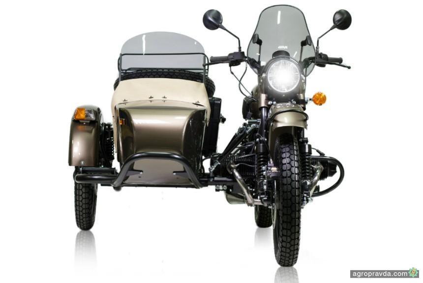 ВСША реализуют мотоциклы «Урал» сбутылкой водки в наборе
