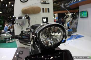 Peugeot представил ряд скутеров на выставке EICMA-2013