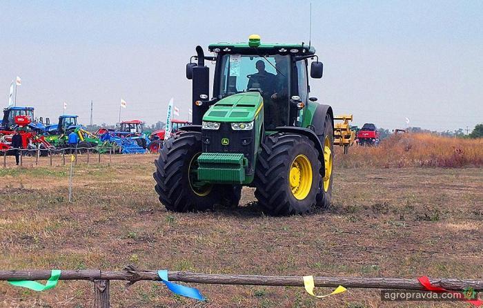 В Украине прошли тесты беспилотного трактора