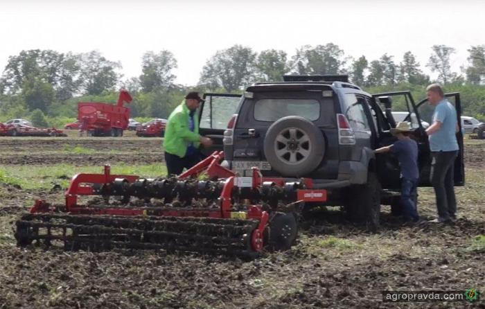 Сможет ли «джип» заменить трактор. Видео