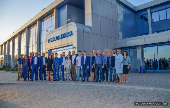 New Holland собрал дилеров в Украине. Фото