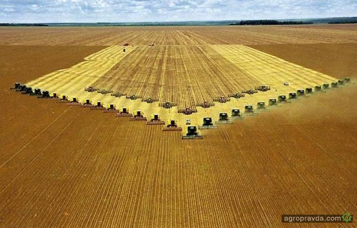 Какую новую сельхозтехнику представят в Украине в 2016 г.