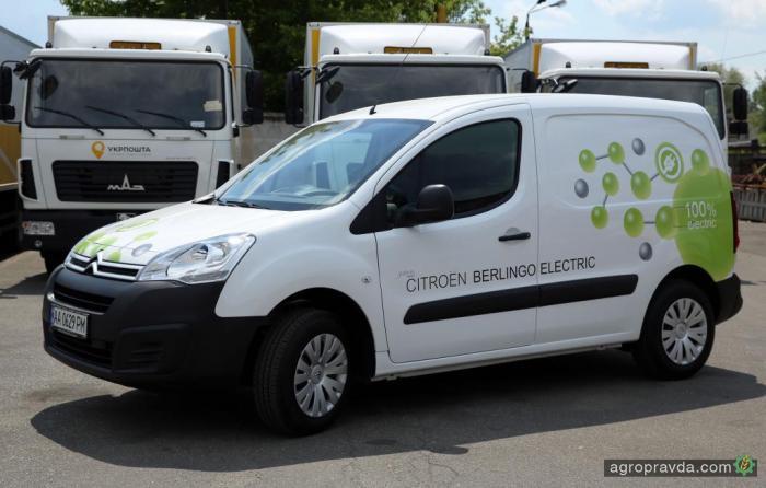 «Укрпошта» тестирует электрический развозной фургон