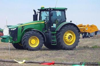 В Европе продан первый автономный трактор John Deere