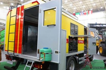 Завод «Техкомплект» представил в Киеве новинки техники