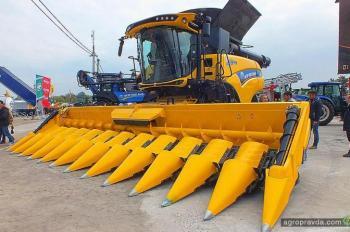 В Украине представили самый большой комбайн New Holland