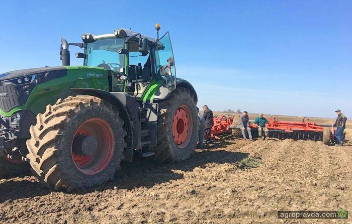 Сколько тракторов продается в мире