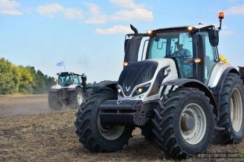 Какие средние тракторы присмотреть к сезону