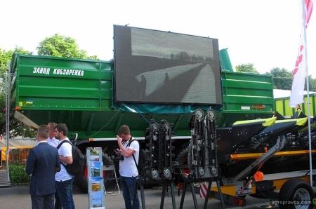 Бункеры-перегрузчики на Агро-2019. Обзор