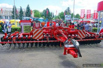 «Лозовские машины» на Агро-2018 представили новые решения для аграриев