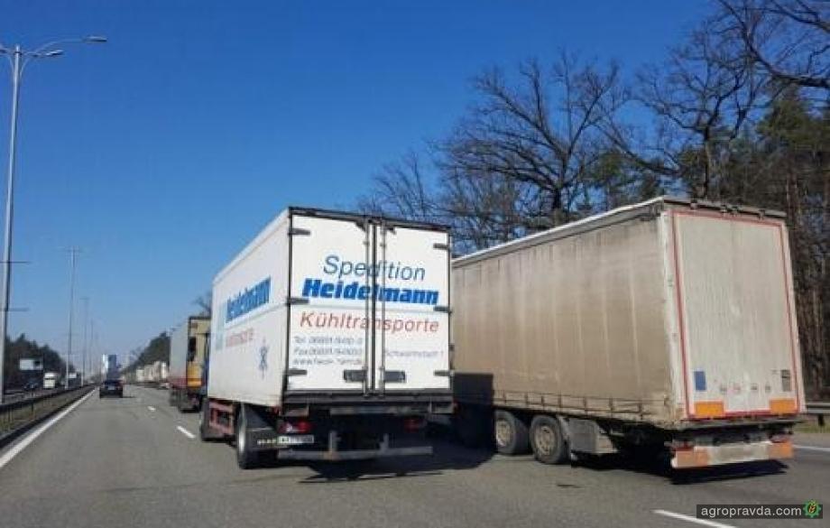Дороги для грузовиков в Украине хотят сделать платными